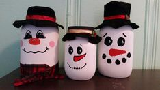 This adorable Rudolph inspired mason jar is a must for your Christmas decor. This is a quart size mason jar hand painted and finished with a clear to protect from chipping. Please allow up to 3 weeks processing time to process this item. Mason Jar Snowman, Christmas Mason Jars, Mason Jar Diy, Mason Jar Crafts, Bottle Crafts, Christmas Fun, Christmas Decorations, Snowman Crafts, Holiday Crafts