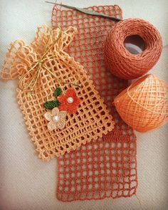 The most beautiful Crochet basket and straw models Crochet Sachet, Crochet Pouch, Crochet Keychain, Thread Crochet, Crochet Gifts, Filet Crochet, Crochet Motif, Crochet Designs, Crochet Doilies