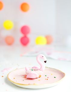 party together! That's right folks, this month we're sharing some of our favorite ways to throw a flamingo party with 5 necessities. Mini Donuts, Cute Donuts, Doughnuts, Flamingo Party, Flamingo Birthday, Flamingo Cake, Australian Food, Pub, Chocolate Donuts