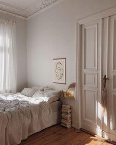 Home Interior Ideas bedroom inspo.Home Interior Ideas bedroom inspo Dream Bedroom, Home Bedroom, Bedroom Decor, Decor Room, Bedroom Lighting, Bedroom Colors, Bedroom Apartment, Bed Romance, European Decor