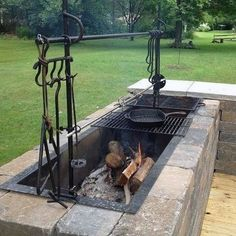 Top 60 Best Outdoor Kitchen Ideas - Chef Inspired Backyard Designs Discover the perfect companion to any culinary enthusiast with the top 60 best outdoor kitchen ideas. Outdoor Cooking Area, Backyard Kitchen, Summer Kitchen, Outdoor Kitchen Design, Rustic Outdoor Kitchens, Outdoor Barbeque Area, Outdoor Kitchen Grill, Outdoor Grill Station, Outdoor Oven