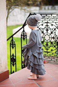 Flamenco Dress Frost Frost, Kids Outfits, Kids Fashion, Crochet Hats, Flower Girl Dresses, Fancy, Kids Clothing, Wedding Dresses, Children