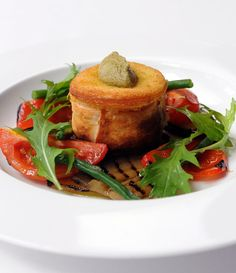This goats cheese recipe from the fantastic Stephen Crane features rich, warm crisp goat cheese parcels served with fresh flavoured and colourful Mediterranean vegetables for a stunning vegetarian recipe. This is a hearty starter that can easily be portioned for a brilliant main dish.