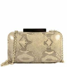 Presume de bolso con este clutch en forma de bombonera en tonos pasteles y dorados con un estampado animal print. Bolsos de fiesta primavera-verano 2014. D´dona by Clenapal.