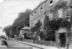 Photo of Newark On Trent, Grammar School 1906 Newark On Trent, Grammar School, School Days, Britain, Photographs, Street View, Journey, Free, Collection