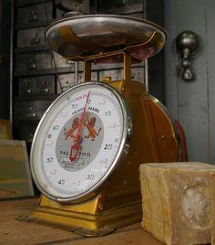 balance de boucher vintage pinterest balance brocante et objet ancien. Black Bedroom Furniture Sets. Home Design Ideas