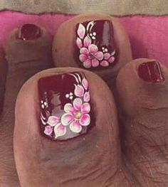 #unasdecoradas Flower Toe Nails, Flower Nail Art, Colorful Nail Designs, Toe Nail Designs, Pedicure Nail Art, Toe Nail Art, Flower Pedicure Designs, Hawaiian Nails, Pretty Nails