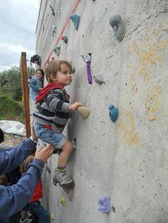 Los Centros de tecnificación deportiva son conscientes de la nueva realidad de la escalada: http://www.fmm.es/portal/index.php/actividades/escalada/programa-tecnificacion
