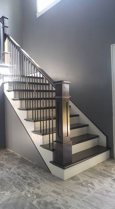 Modern Stair Railing Designs That Are Perfect! Looking for Staircase Design Inspiration? Check out our photo gallery of Modern Stair Railing Ideas.Looking for Staircase Design Inspiration? Check out our photo gallery of Modern Stair Railing Ideas. Stairway Railing Ideas, Staircase Railing Design, Interior Stair Railing, Modern Stair Railing, Home Stairs Design, Metal Stairs, Painted Stairs, Modern Staircase, Stair Bannister Ideas