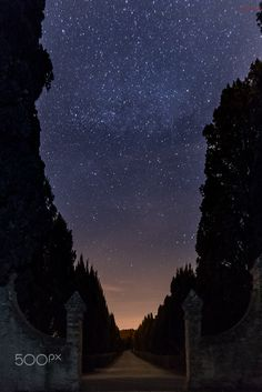 Nightsky over the alley - From my recent workshop in Tuscany. Check out the Workshops: http://www.walterluttenberger.photography/walterluttenberger_workshops.php Facebook: https://www.facebook.com/walterluttenbergerphotography/?ref=settings Instagram: https://www.instagram.com/walterluttenbergerphotography/