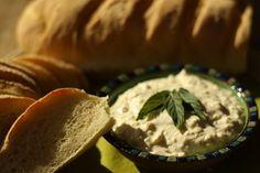 Hummus, Camembert Cheese, Dip, Grains, Ethnic Recipes, Food, Salsa Music, Dips, Meals