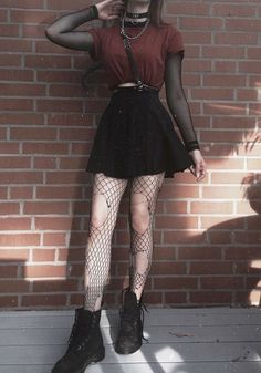 Photo Outstanding Grunge Outfits Ideas For Women 25 Hipster Outfits, Indie Outfits, Edgy Outfits, Cute Casual Outfits, Goth Girl Outfits, Cute Grunge Outfits, Weird Outfits, Batman Outfits, Concert Outfits