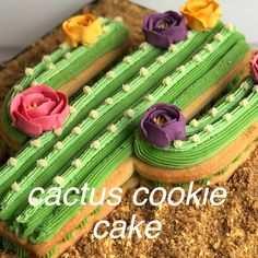 Cactus cookie cake Sugar cookie goodness under this prickly cactus! Creative Cake Decorating, Cake Decorating Videos, Cake Decorating Techniques, Creative Cakes, Cookie Decorating, Cookie Cake Decorations, Decorating Ideas, Cactus Cupcakes, Cactus Cake