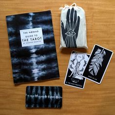The NØMAD Tarot Deck, illustrated by Jennifer Dranttel, is a lovely and modern interpretation of the ancient Tarot tradition. The full deck of 78 cards includes unique graphic navy-and-white illustrations of the 22 Major Arcana, as well as 'pip' cards for four suits of the Minor Arcana (interpreted in this deck as Fire, Water, Air, and Earth). The imagery draws from traditions of Alchemy, Herbal Medicine, Norse Runes and myths to update the Tarot for today's divinatory r...