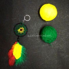 Pan-African colors ❤ • #diydreamcatcher #dreamcatcher #love #catchthydreams #makeinindia #mumbai #keychain #dreamcatcherkeychain #diy #handmade #buyhandmade #african