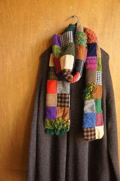 ウールやニット ツイードやコーデュロイ お気に入りの素材をつぎはぎにつなげて パッチワークマフラーにしました。手編みのニットやチェック柄も混ざってとても魅力...|ハンドメイド、手作り、手仕事品の通販・販売・購入ならCreema。