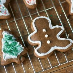 These Holiday Ginger Cookies are perfect for any holiday party or cookie exchange and are super easy to make too. Favorite Cookie Recipe, Best Cookie Recipes, Fudge Recipes, Easy Gingerbread Cookies, Christmas Cookies, Heart Cookies, Cut Out Cookies, Best Christmas Recipes, Ginger Cookies