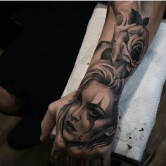 Clown girl by @nathanssmith #mexicanstyle_tattoos #mexstyletats #mexicanculture #ink #tattoos #blackandgrey #clowngirl #payasatattoo