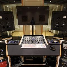 Jan 2016 - First Official install of a Northward Systems Mastering Console @ Zino Mikorey Mastering in Berlin. This is one of the pre-production units, with 19 Home Studio Desk, Music Studio Room, Studio Furniture, Studio Setup, Studio Design, Music Production Equipment, Pre Production, Recording Studio Desk, Berlin
