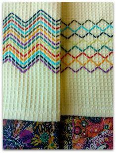 Vohvelikirjontaa Hand Embroidery Designs, Embroidery Stitches, Cross Stitches, Free Swedish Weaving Patterns, Free Hand Designs, Swedish Embroidery, Monks Cloth, Running Stitch, Loom Patterns