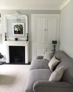 Charming gray living room design ideas for your apartment 11 Living Room Carpet, Living Room Grey, Living Room Decor, Coastal Living Rooms, Home And Living, Modern Living, Small Living, Victorian Living Room, 1930s House Interior Living Rooms
