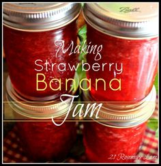 Strawberry Banana Jam - good, cooked fruit & pectin to boil, then add sugar, hard boil 1 minute, process 10 min Jelly Recipes, Jam Recipes, Cooking Recipes, Strawberry Jam Recipe, Strawberry Blueberry Jam, Strawberry Freezer Jam, Blackberry, Home Canning Recipes, Canning Tips