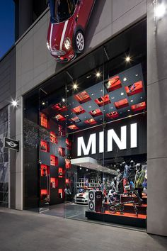 This spring MINI opened its doors to a completely new retail adventure at Westfield Stratford City in London. The MINI pop-up, which will be open for 12 months only, will showcase the two newest MINI models and will also sell a full range of MINI lifestyl…
