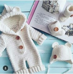 Watch This Video Incredible Crochet a Bear Ideas. Cutest Crochet a Bear Ideas. Crochet Coat, Love Crochet, Crochet For Kids, Knitted Baby Clothes, Crochet Clothes, Baby Boy Outfits, Kids Outfits, Baby Boy Cardigan, Baby Suit