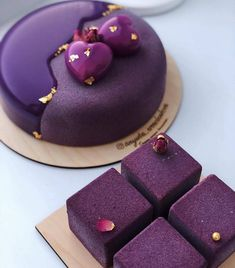 Chocolate Mousse Entremet by Chef 🔥🔥🔥 Creative Desserts, Fancy Desserts, Creative Cakes, Just Desserts, Beautiful Desserts, Beautiful Cakes, Amazing Cakes, Naked Cakes, Homemade Birthday Cakes