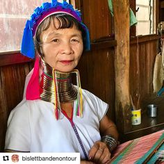 Hei på deg. #reiseblogger #reiseliv #reisetips #reiseråd  #Repost @bislettbandenontour (@get_repost)  The women from the Padaung-tribe was one of the things the kids found most interesting in Inle. An even if this woman was there mostly for us tourists it was still fascinating