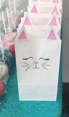 White Cat Birthday Party Ideas Adorable Kitty Cat Paper Treat Party Favor Bags for Cat themed Birthd Cat Themed Parties, 6th Birthday Parties, Birthday Ideas, 8th Birthday, Birthday Party For Cats, Birthday Decorations, Kitty Party Themes, Moana Birthday, Birthday Favors