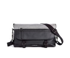 FEMME Messenger Demi. Might be really cool... http://itz-my.com