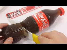 How To Make Real Coca Cola Drinking Water Pudding Jelly Cooking Learn the Recipe. Krispy Kreme, Fun Cooking, Cooking Tips, Bottle Cake, Jello Desserts, Baking Videos, Cake Decorating Tutorials, Cute Food, Hot Sauce Bottles