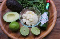 Ingredientes para la mayonesa de aguacate y cilantro