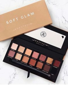 Soft Glam Eyeshadow Palette Eye Palettes In 2020 Makeup Cosmetics Eye Palettes Eyeshadow