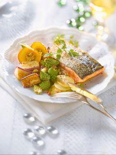 Lachsfilet mit gemischtem Gemüse | http://eatsmarter.de/rezepte/lachsfilet-mit-gemischtem-gemuese