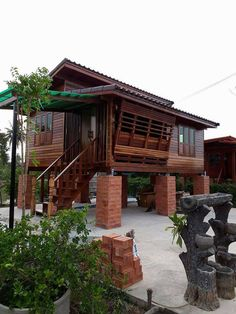 House On Stilts, Tiny House Cabin, House Roof, Asian House, Thai House, Bamboo House Design, Tiny House Design, Modern House Plans, Small House Plans