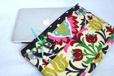 15 inch Laptop Bag for MacBook Pro  OOAK  Case Sleeve Cover Mac Laptop Messenger Bag with Strap crazy prints black bright pink, Darby Mack