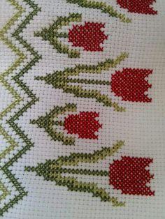 Kate's Crochet World Cross Stitch Needles, Cross Stitch Bird, Cross Stitch Borders, Simple Cross Stitch, Cross Stitch Flowers, Cross Stitch Designs, Cross Stitching, Cross Stitch Embroidery, Hand Embroidery