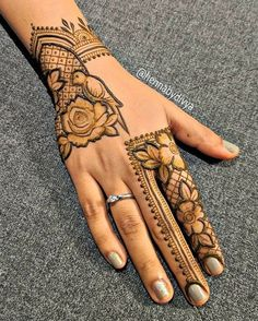 Beautiful Mehndi Design - Browse thousand of beautiful mehndi desings for your hands and feet. Here you will be find best mehndi design for every place and occastion. Quickly save your favorite Mehendi design images and pictures on the HappyShappy app. Henna Hand Designs, Dulhan Mehndi Designs, Mehndi Designs Finger, Rose Mehndi Designs, Full Hand Mehndi Designs, Modern Mehndi Designs, Mehndi Design Pictures, Mehndi Designs For Girls, Wedding Mehndi Designs