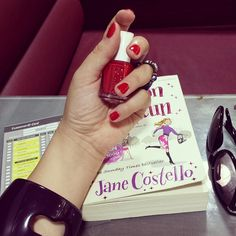 I really wanted a red color again! So I went for #ReallyRed #90 from #essie @essiepolish in @emadbazzi #salon @fsamman #Amman #Jordan #JaneCostello #GirlOnTheRun #bookaholic #DanasBooks