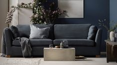 Living room grey sofa ikea colour New Ideas Grey Sofa Inspiration, Furniture Inspiration, Living Room Decor Grey Sofa, Living Rooms, Ikea Stockholm Sofa, Söderhamn Sofa, Ikea Sofas, Rustic Side Table, Mid Century Living Room