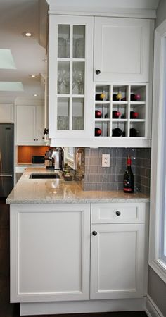 Dry bar in kitchen-good idea for the end corner.