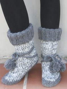crochet pattern – mukluk slippers  @Paula Amero can you do this for me
