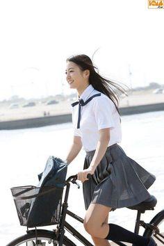 高田里穂_014 School Girl Dress, School Girl Japan, Japan Girl, Cute School Uniforms, School Uniform Girls, Girls Uniforms, Japanese School Uniform, Schoolgirl Style, Bicycle Girl