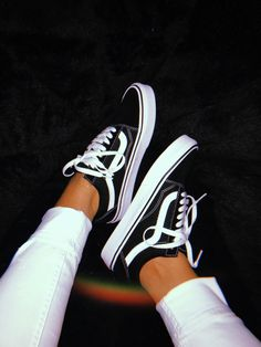 Vans Women's Old Skool(tm) Core Classics Sneakers Fashion, Fashion Outfits, Fashion Styles, Shoes Wallpaper, Vans Outfit, Aesthetic Shoes, Hype Shoes, Cute Girl Photo, Vans Old Skool
