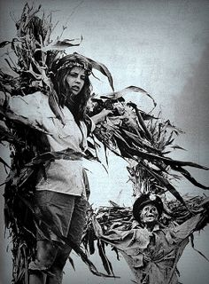 """Linda Hamilton and The Man In Blue in """"Children of the Corn""""."""