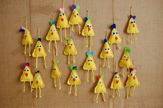Easter Art, Easter Crafts, Art For Kids, Crafts For Kids, Arts And Crafts, Chickens And Roosters, Handmade Candles, Textiles, Poster Making