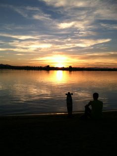 This is one of my favorite pictures I have take on the road. Lake Havasu AZ just outside their skate park on the lake.