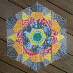 The quilts on this post are so great that I had trouble picking one picture for this pin Star Quilt Blocks, Star Quilts, Mini Quilts, Hexagon Quilt, Square Quilt, Hexagon Patchwork, Paper Piecing Patterns, Quilt Block Patterns, English Paper Piecing